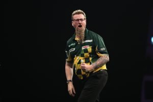 UNIBET PREMIER LEAGUE DARTS 2018 MOTORPOINT ARENA CARDIFF, WALES PIC;LAWRENCE LUSTIG SIMON WHITLOCK V ROB CROSS SIMON WHITLOCK IN ACTION